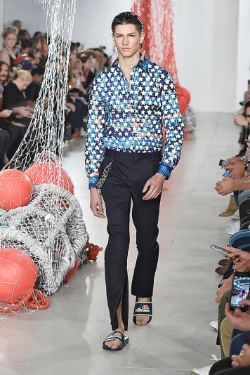 Katie Eary Spring Summer 2017 London Menswear Fashion Week Copyright Catwalking.com 'One Time Only' Publication Editorial Use Only
